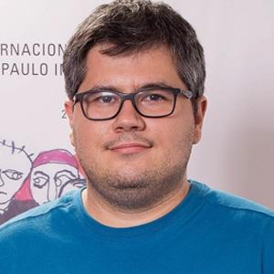 """Alexandre Peralta, diretor de """"Olhando pras Estrelas"""""""
