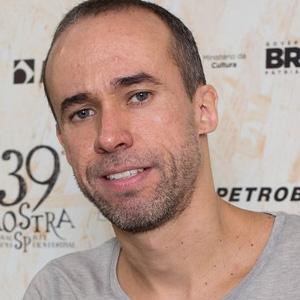 """Allan Ribeiro, diretor de """"Mais do que Eu Possa Me Reconhecer"""""""