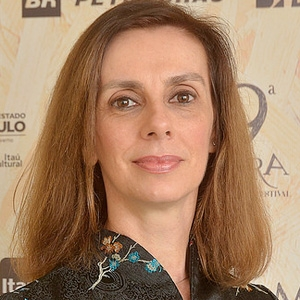 """Paola Prestes, diretora de """"Massao Ohno - Poesia Presente"""""""