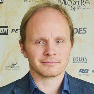 """Dome Karukoski, diretor de """"O Ranzinza"""" e """"Coração de Leão"""""""