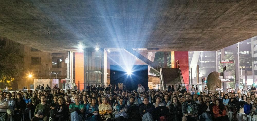 """Tradicionais sessões do vão-livre do Masp começam com """"A Grande Ilusão"""" e homenagem a Paulo ..."""